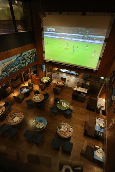 パブリックビューイングも開催した川崎フロンターレ公式カフェ