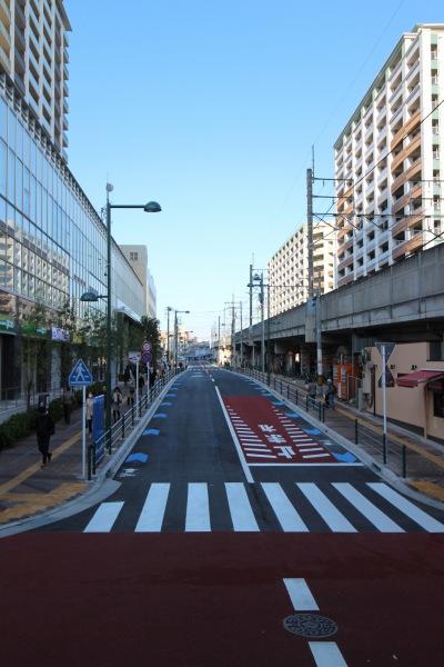 都市計画道路がつながるプラウドタワー前