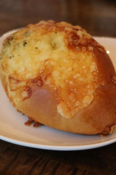 「パンドププ」の「バターチキンカレーパン」