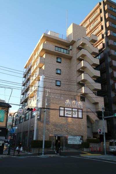 綱島街道沿いの旧三井住友銀行跡地のビル(矢倉中田ビル )