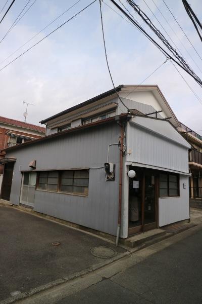 上丸子山王町のブックカフェ「COYAMA」
