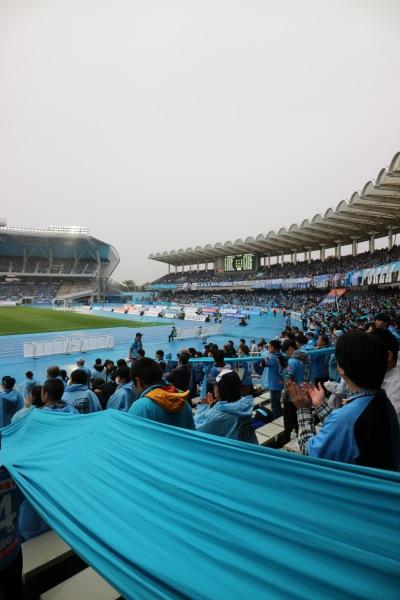 17,057人が観戦した等々力陸上競技場