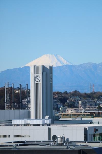 法政二中高の時計塔と富士山