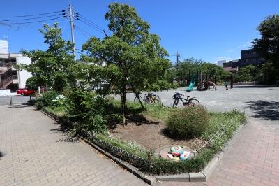 中原平和公園の児童公園エリア