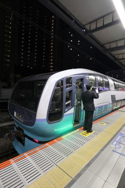 スーパービュー踊り子のJR武蔵小杉駅の最終列車