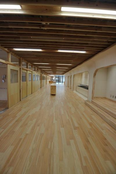 木材を活かした校舎