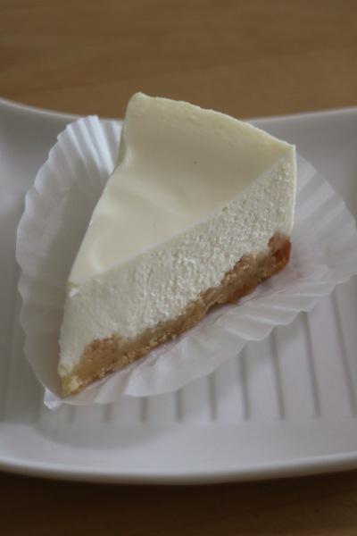 過去にご紹介した「ベイクドレアチーズケーキ」