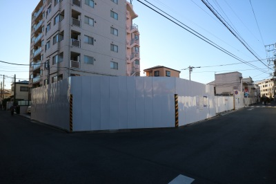 隣接の学生寮建設地