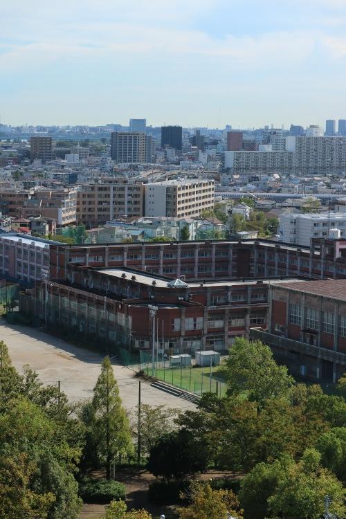 中原平和公園と神奈川県立住吉高等学校